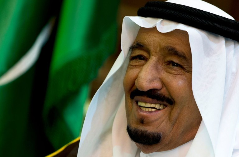 le-roi-salmane-d-arabie-saoudite-a-riyad-le-13-octobre-2015_5450381